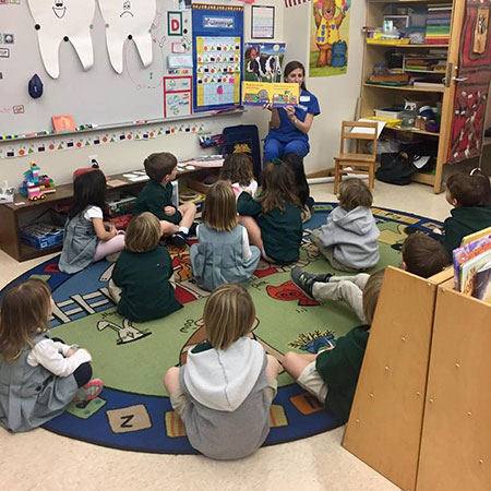 2018-Jan-Gabe-and-Molly-visit-Newman-kindergarten-1